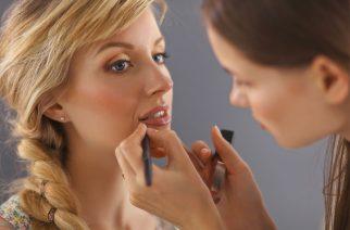 Konturówka do ust – jak używać, żeby wyglądać dobrze?
