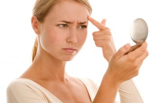 Makijaż kamuflaż, czyli jak zakryć blizny potrądzikowe?