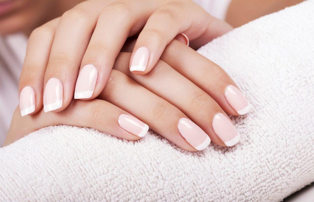 manicure-hybrydowy.jpg