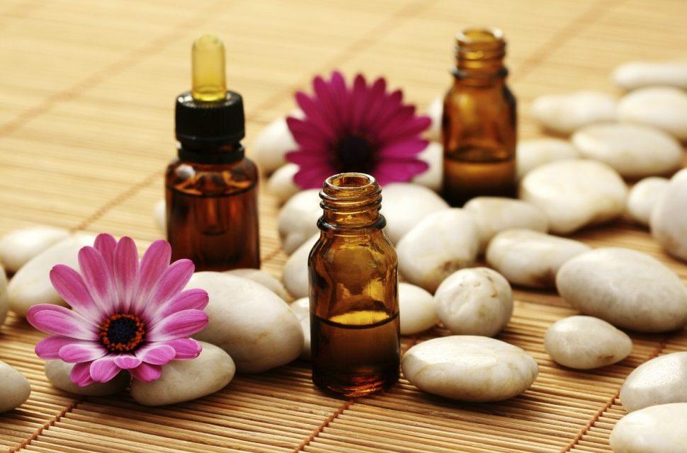Pielęgnacja cery dojrzałej — najlepsze olejki do twarzy