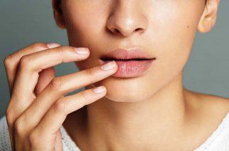 Spierzchnięte usta. Czy na pewno wiesz, co wysusza skórę ust?