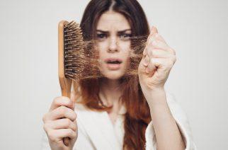 Dlaczego włosy wypadają? Przyczyny, leczenie i porady