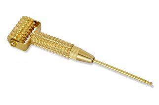 Jak działa złoty derma roller? Domowe sposoby na zmarszczki i trądzik